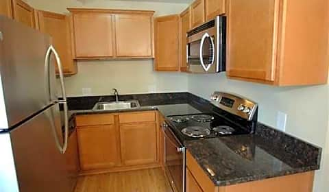 Briarwood Park Apartments Parmenter Royal Oak Mi Apartments For Rent