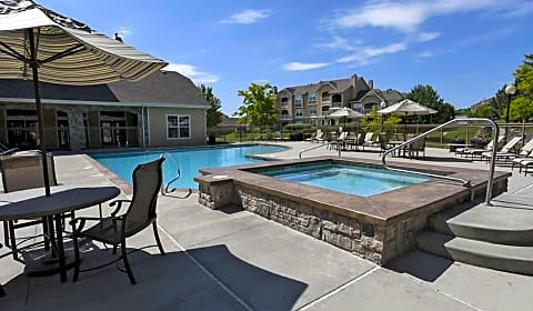 Stone Cliff Heights E Greenwood Dr Aurora Co Apartments For Rent