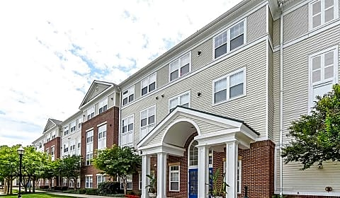 Exceptionnel St. Paul Senior Living Apartments   Addison Rd South | Capitol Heights, MD  Apartments For Rent | Rent.com®