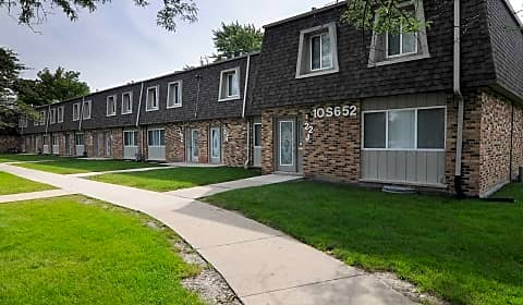 Hinsdale Lake Terrace 16w450 Honeysuckle Rose Lane Willowbrook Il Apartments For Rent