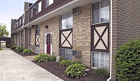 Oak glen apartments cleveland avenue nw canton oh apartments for rent for 3 bedroom apartments in canton ohio