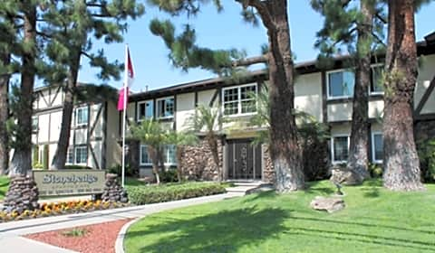 Stonehedge Apartments West Lincoln Avenue 2 Anaheim Ca Apartments For Rent