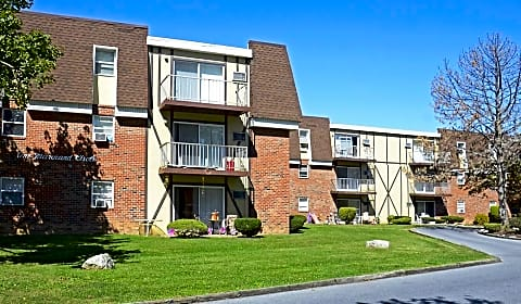 Independence Square Apartments Whitehall Pa
