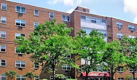 Cambridge Arms Polifly Road Hackensack Nj Apartments For Rent
