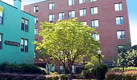The Greenhouse Apartments - Pearl Street | Chelsea, MA Apartments ...