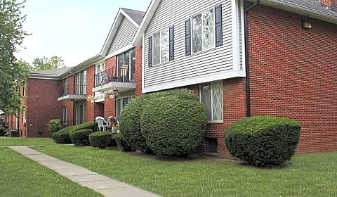 Carriage Hill Westphal Drive 111 Dearborn Heights Mi Apartments For Rent