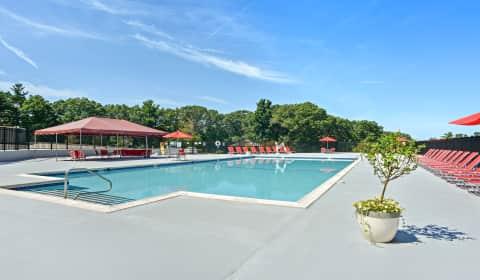 Bayberry Hill Estates Apartments   Framingham, Massachusetts 01702