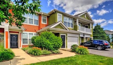 Glenmuir Of Naperville Rockport Lane Naperville Il Apartments For Rent
