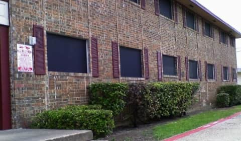 Spanish Stone Apartments W Kingsley Rd Garland Tx Apartments For Rent