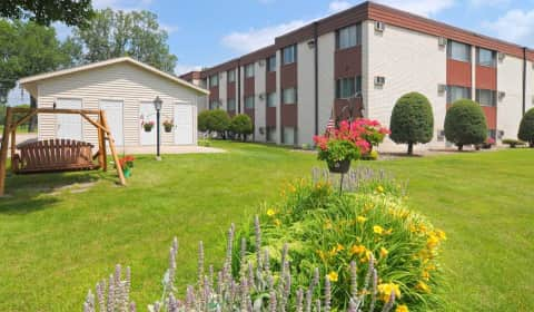 Golfview crossings apartments west 5th street winona mn apartments for rent for 1 bedroom apartments winona mn