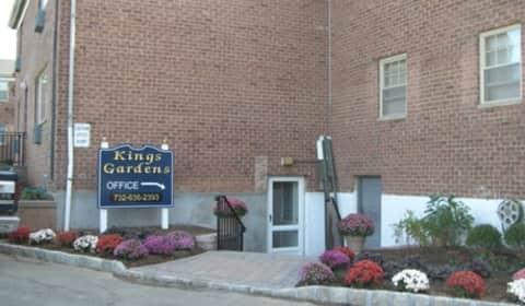 Kings Gardens Apartments Walter Drive Woodbridge NJ