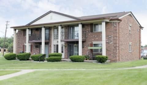 Williamsburg Apartments Warren Mi