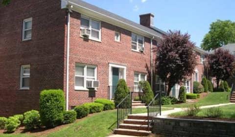 Larch Gardens   Larch Avenue | Teaneck, NJ Apartments For Rent | Rent.com®