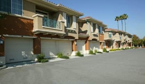 Villa veneto at palm valley la strada drive san jose ca apartments for rent for Cheap 2 bedroom apartments in san jose