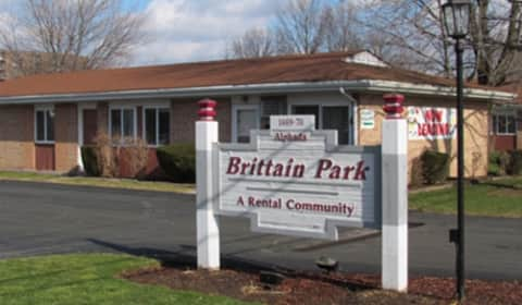 Brittain Park Apartments Alphada Avenue Akron Oh Apartments For Rent