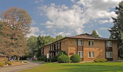 Cedar Manor - Old Cedar Avenue S | Bloomington, MN Apartments for ...