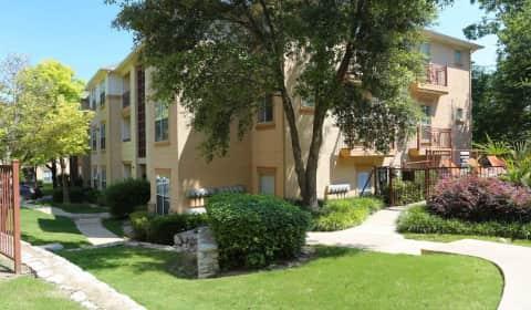 Lure At Cedar Springs Kings Road Dallas Tx Apartments
