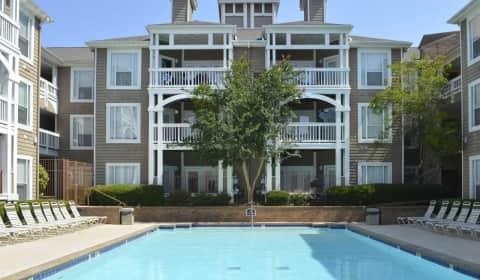 Charleston Court Glenridge Drive Sandy Springs Ga Apartments For Rent