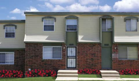 Green village townhomes e 20th street kansas city mo apartments for rent for Cheap one bedroom apartments in kansas city mo