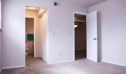 Clear View Apartments - Buckingham Lane | Kansas City, MO Apartments ...