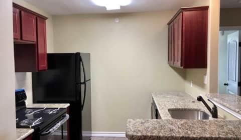 Manhattan Apartments - Lipes Boulevard | Corpus Christi, TX ...