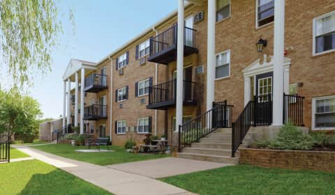 Hill Brook Place Apartments Dunksferry Road Bensalem Pa Apartments For Rent