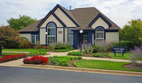 Orchard Village W Indian Trail Road Aurora IL Apartments For Rent Ren