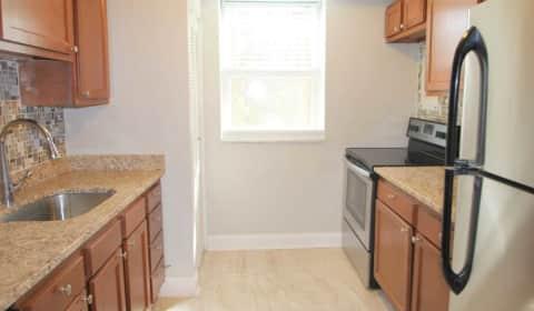 Waldorf Park Apartments   McKnight Circle | Pittsburgh, PA Apartments For  Rent | Rent.com®