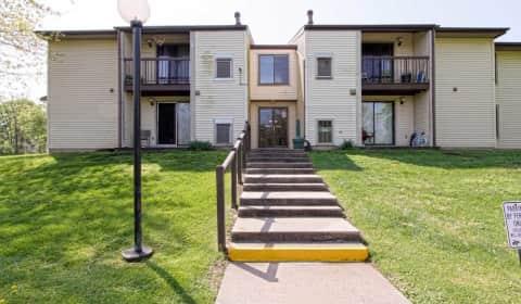 Roberts Gardens Apartments - Roberts Dr | Martinsburg, WV Apartments ...