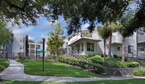 Canyon Crest - Newhall Avenue   Santa Clarita, CA Apartments for ...