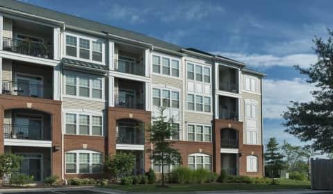 Signal Hill Apartment Homes - Sentry Falls Way | Woodbridge, VA ...