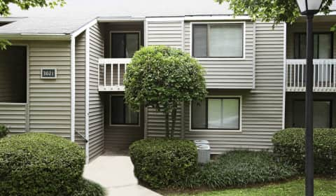 The Hamptons At Country Park Lawndale Drive Greensboro Nc Apartments For Rent