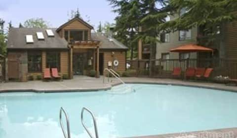 Sancerre apartments ne 144th street kirkland wa for 88 salon kirkland