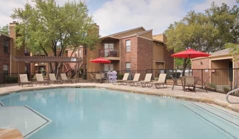 Landmark At Spring Creek Apartment Homes Apollo Road Garland Tx Apartments For Rent