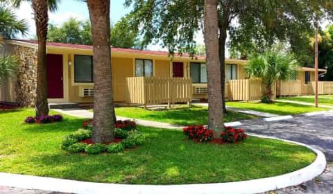 Vizcaya Villas South Nob Hill Circle Tamarac Fl Apartments For Rent