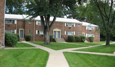 Dartmouth Village - Baldwin Rd | Parsippany, NJ Apartments for ...