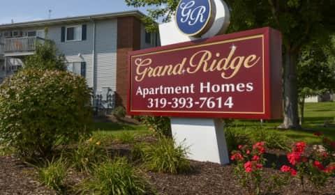grand ridge ashton place ne cedar rapids ia apartments for rent. Black Bedroom Furniture Sets. Home Design Ideas
