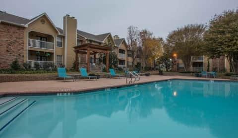 Estrada Oaks Apartments Irving