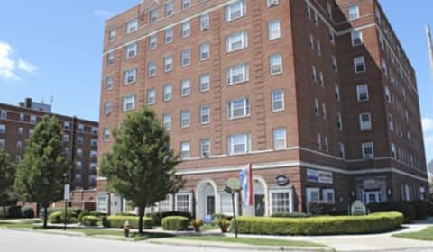Shaker house townhouse apartments shaker boulevard cleveland oh apartments for rent for 3 bedroom apartments in cleveland ohio