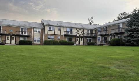 Kings Village - A-15 Kings Arrow Road | Budd Lake, NJ Apartments for ...