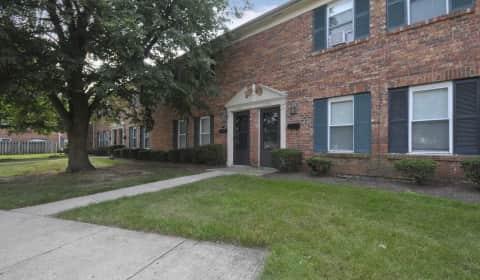 Centerville Village Apartments