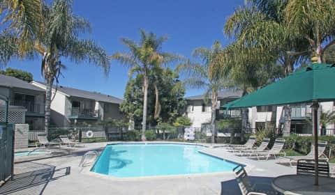 Parkway club graves ave el cajon ca apartments for - 3 bedroom apartments for rent in el cajon ...