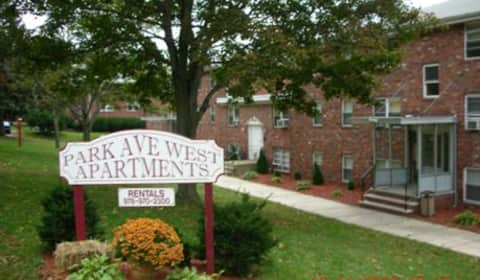 Park avenue west 61 67 73 83 park avenue lowell ma apartments for rent for 2 bedroom apartments in lowell ma