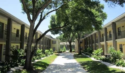 Fernwood Grove Garden Apartments - North Macdill Avenue   Tampa, FL ...