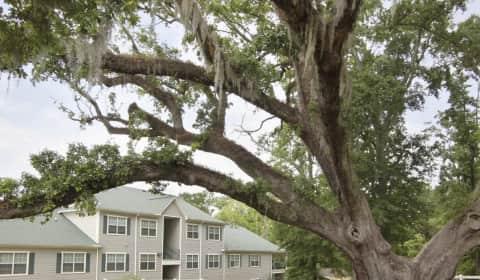 Olde Oak Apartment Homes