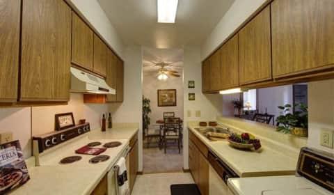 Stonewood Village Apartments   Parkwood Lane | Madison, WI Apartments For  Rent | Rent.com®