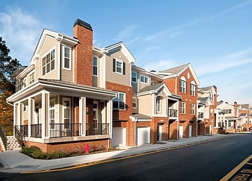 High Quality One, Two And Three Bedroom Apartments And Townhomes Pictures