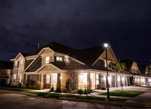 Enjoy luxury and convenience at Falcon Glen