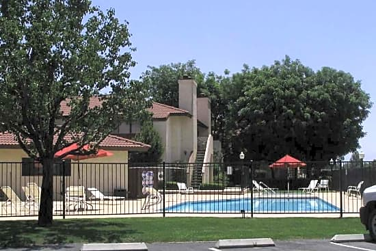 Quailwood Apartments. 300 Coffee Road. Bakersfield, CA 93309