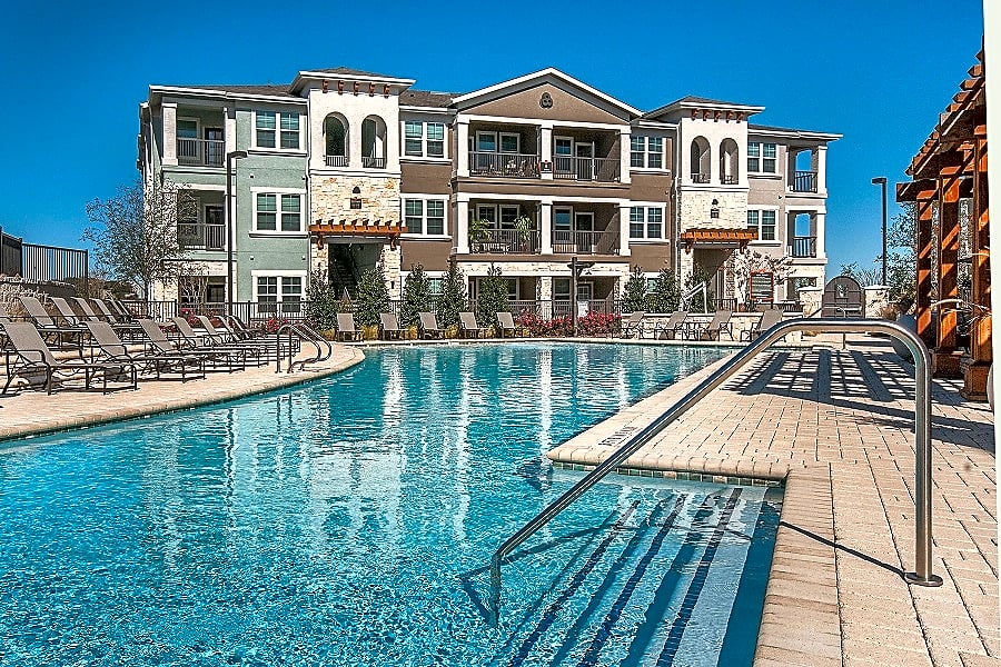 Wiregrass at Stone Oak Luxury Apartments